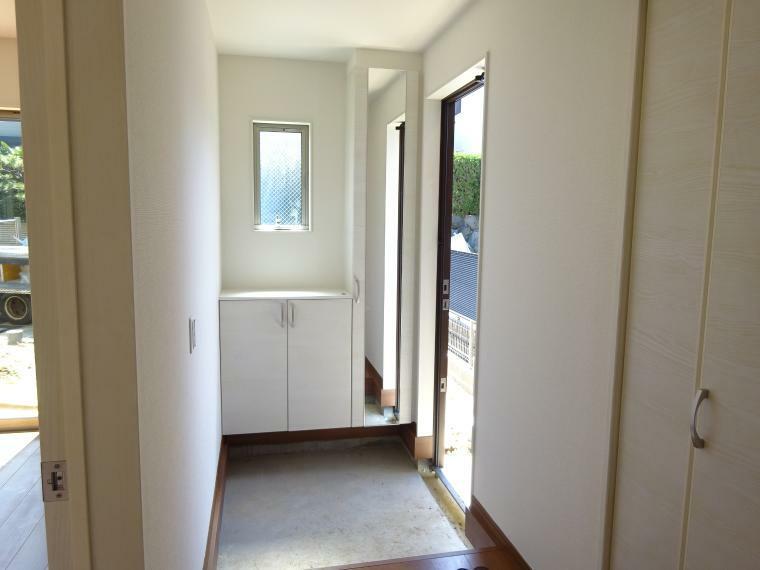 玄関 大きな収納のある玄関(同仕様)