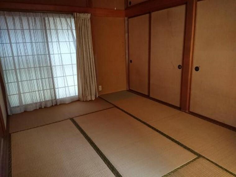 和室 和室6畳です。クロス張替え、畳表替え、障子襖張替え、照明器具交換します。