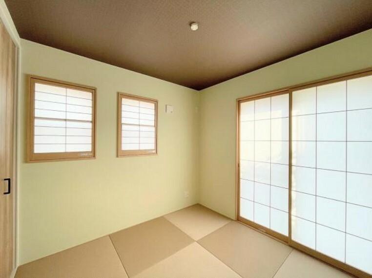 リビングと同じ階にもう一部屋配置。来客時の客間として利用できますし、リモートワーク部屋としても利用可能です。