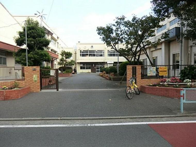 小学校 藤塚小学校まで約150m