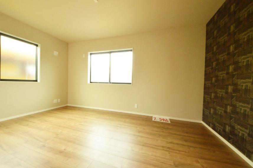洋室 7.5帖の主寝室