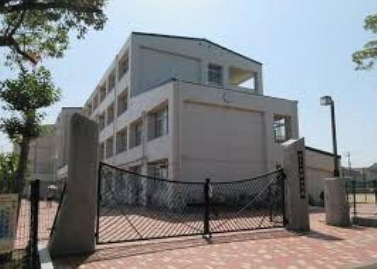 中学校 【中学校】神戸市立西神中学校まで1210m