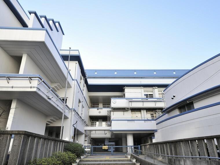 小学校 横浜市立本町小学校