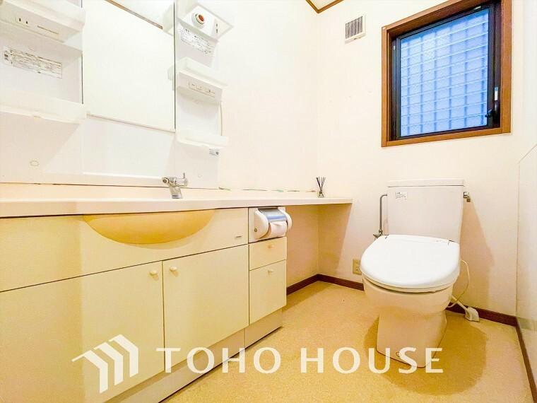 トイレ 寛ぎだけではない、快適な生活を送る為に必要なもの。毎日使う場所だから、より快適な空間に仕上げられています。