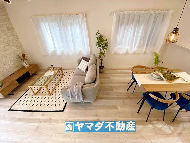 居間・リビング LDK17.6帖。広めのリビングなので家具を置いてもゆったりとした空間を満喫出来そうですね