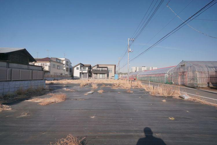 現況写真 東道路に面した陽あたりの良い理想的な土地です。現況更地ですので早めのお引渡しにも対応可能です。