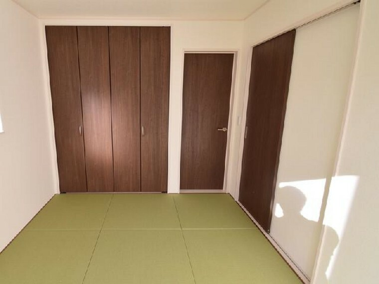 B号棟:和室(同仕様施工例)・・・6帖の和室は、琉球風畳になっていますので、お洒落ですよ!