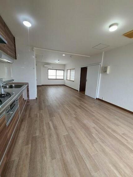 ダイニングキッチン キッチンスペースは十分な広さが確保されています!