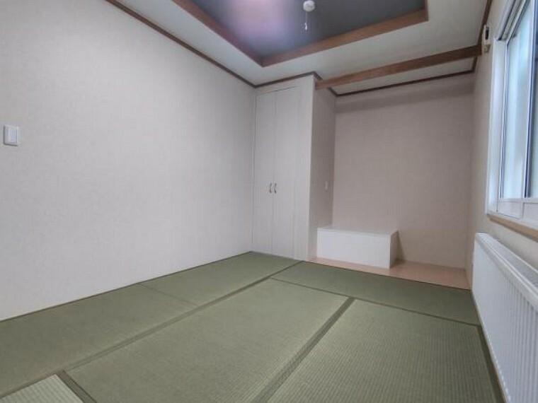 【リフォーム後1F和室】クロスの貼替、照明交換、畳の表替えを行いました。和室は来客対応にもお使い頂けます。