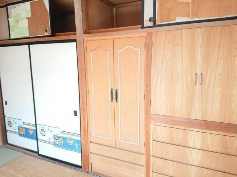 【リフォーム前写真】2階西側居室、収納部分は枕棚とポールを設置します。収納力も増し整理整頓しやすくなりますね。