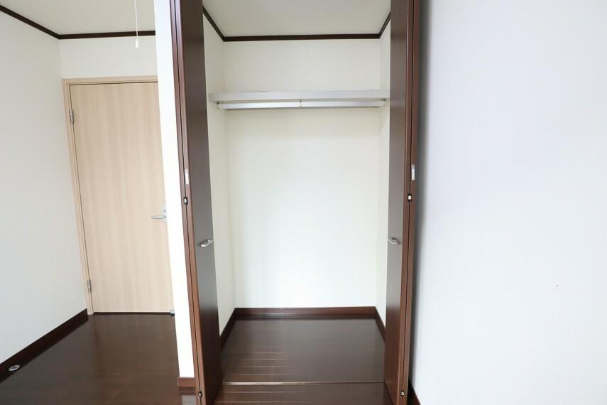 収納 クローゼット しっかり奥行のある収納で、お部屋をスッキリ使えます