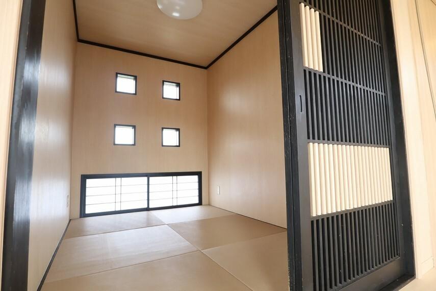和室 和室 リビング併設の和室は、来客時にもお子様の遊び場にも重宝します