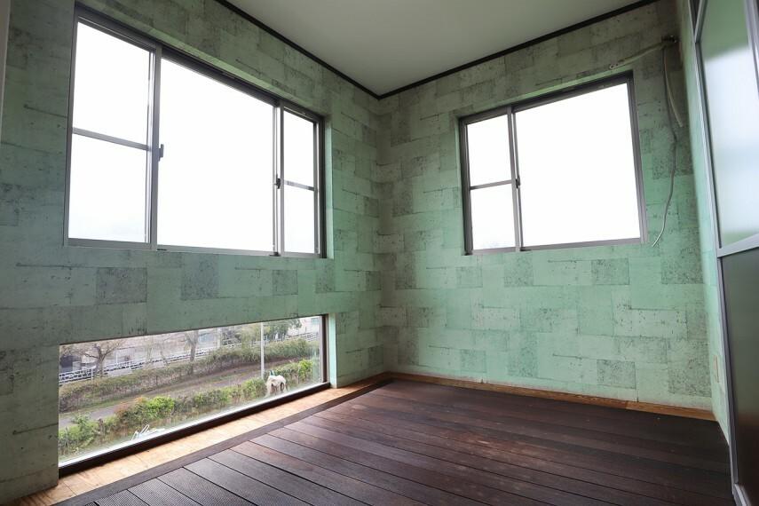 サービスルーム 使い方が選べるサービスルームは、 大型の収納にも室内干し用のサンルームにもなります