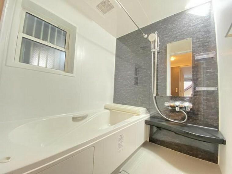 浴室 浴槽や洗い場の広い1坪サイズの浴室はご家族との貴重なコミュニケーションの場所として重宝されます。