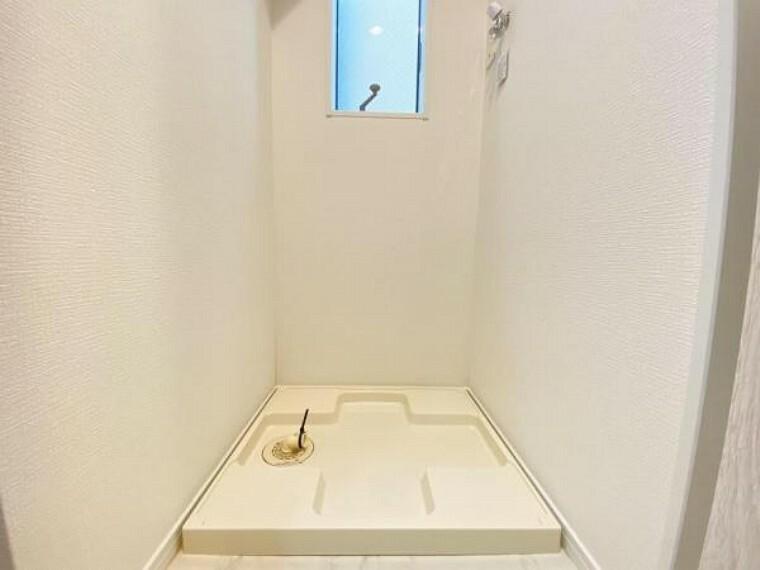 洗面化粧台 使いやすいランドリースペース。