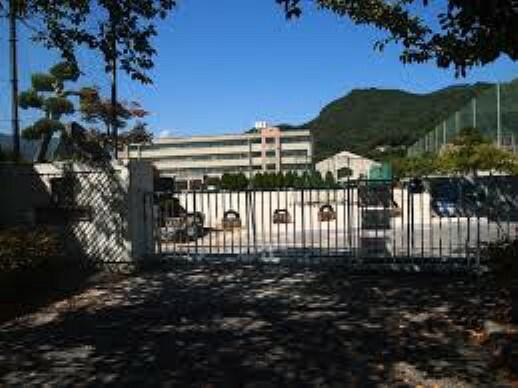 中学校 呉市立白岳中学校