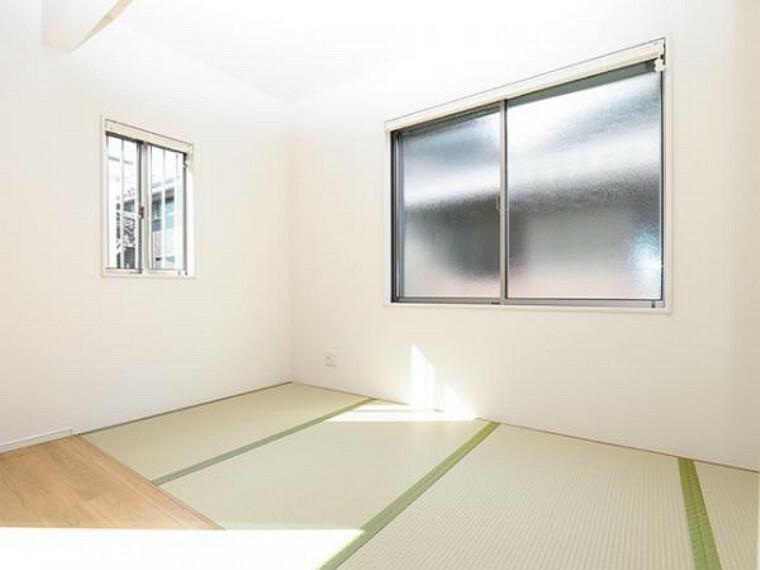 同仕様写真(内観) \同仕様写真/いぐさの香りがする和室は、客室としても使用でき、お子様のお昼寝にも使い方色々です!