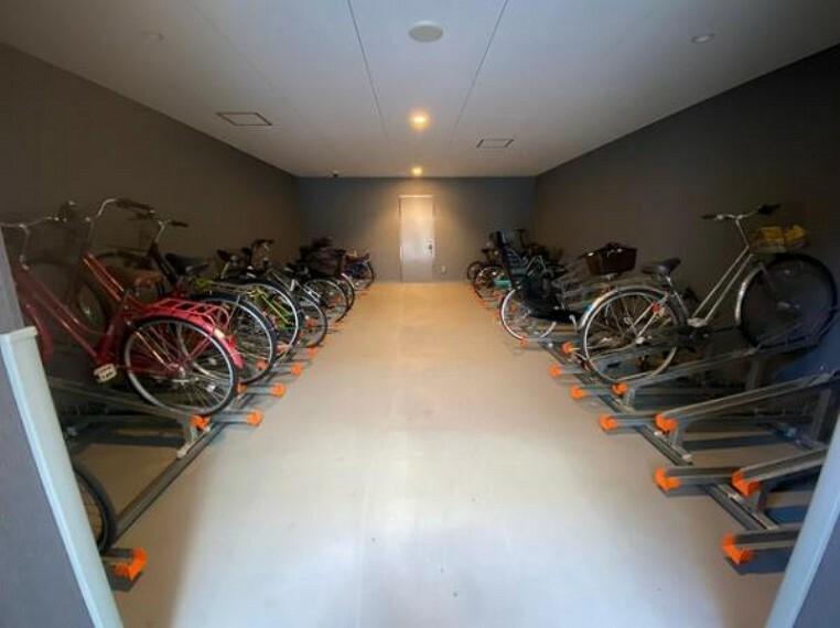 駐輪場 駐輪場やバイク置場完備です