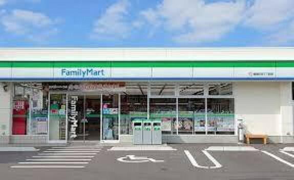 コンビニ ファミリーマート大分西鶴崎1丁目店 近くにコンビニあります。