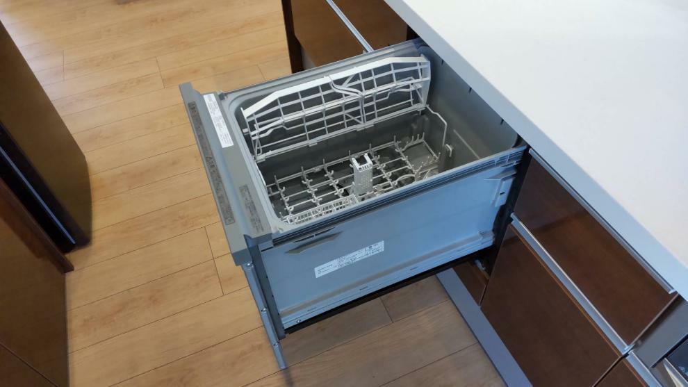 キッチン 食洗器標準装備。