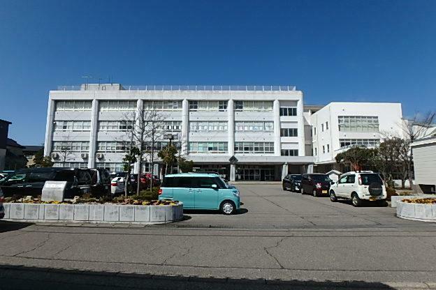 小学校 新潟市立小針小学校