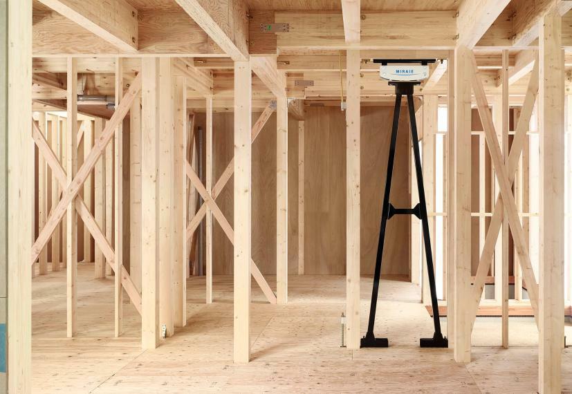 構造・工法・仕様 【制震構造MIRAIE】制震装置を加えることで、建物の損傷を抑えることが可能になり、より一層安心・安全な住まいを提供します。