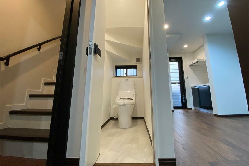 トイレ こちらは1階のトイレ。もちろん2階にもございます。