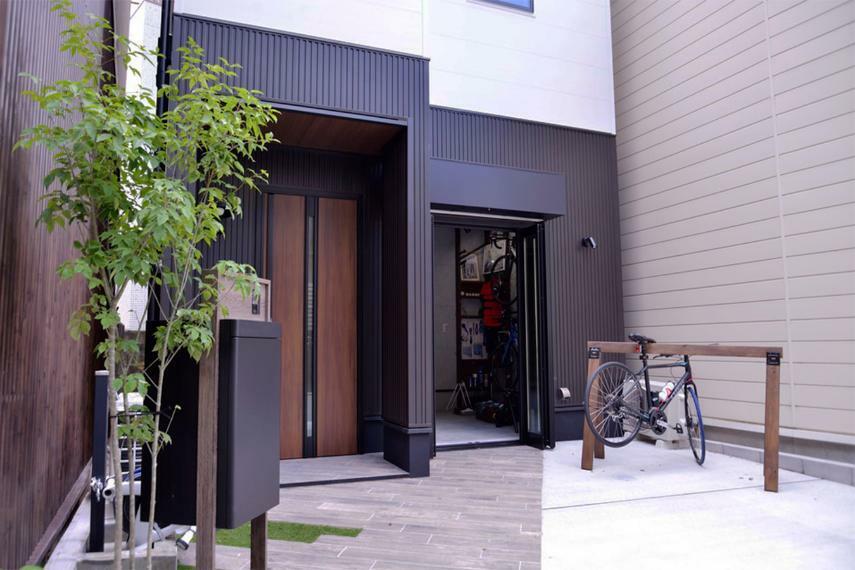 駐車場 岡崎周辺は自転車愛好家も多い地域。