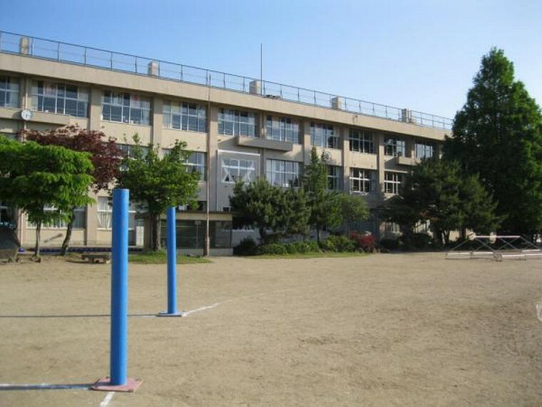 小学校 中田小学校まで徒歩3分(215m)
