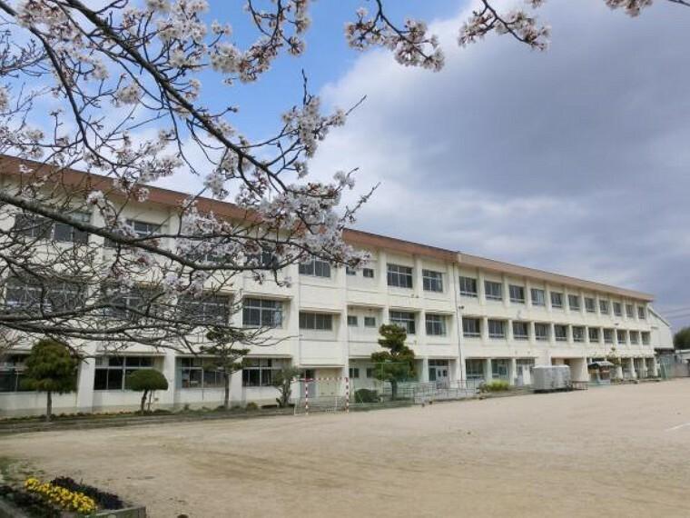 小学校 東広島市立郷田小学校