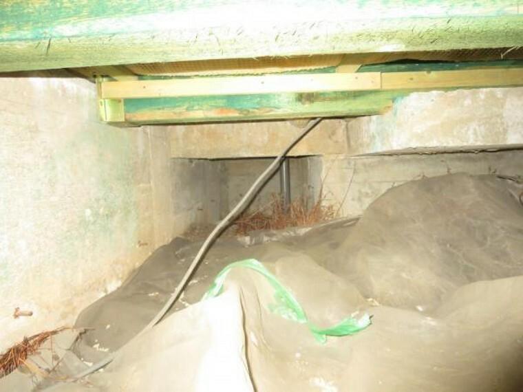 構造・工法・仕様 中古住宅の3大リスクである、雨漏り、主要構造部分の欠陥や腐食、給排水管の漏水や故障を2年間保証します。その前提で屋根裏まで確認の上でリフォームしています。