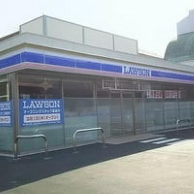 コンビニ 【コンビニエンスストア】ローソン 八王子千人町二丁目店まで143m