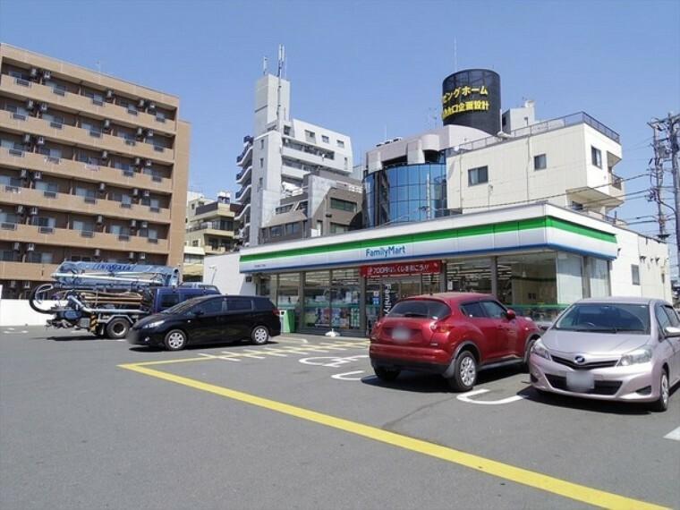 コンビニ ファミリーマート所沢緑町二丁目店