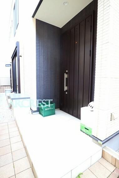 玄関 便利なシューズインクローゼット付きの玄関
