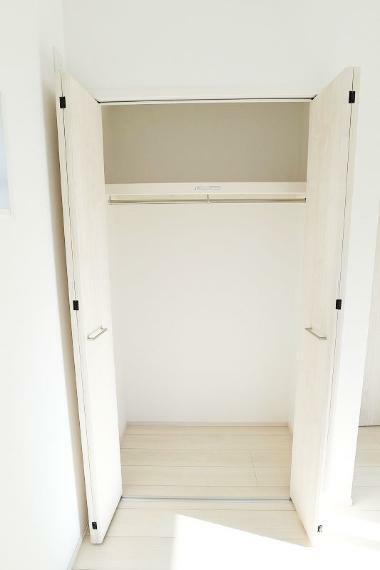 完成予想図(内観) 全室収納スペース充実!主寝室にはクローゼットが2カ所あるので、ご夫婦分のお洋服もしまえます。【施工例】