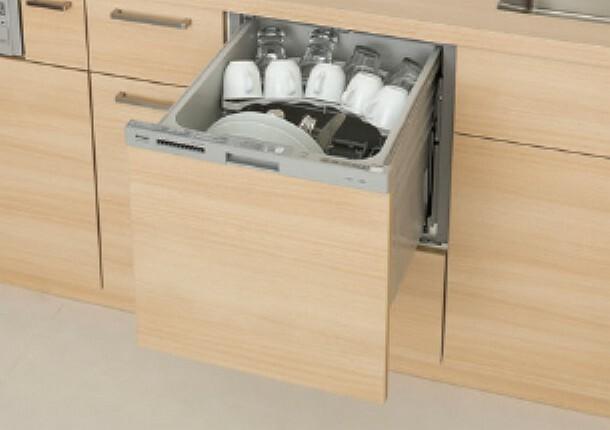 時短と節水が可能な食器洗い乾燥機  毎日の家事も食器洗い乾燥機で楽々。時短はもちろん、節水にもなり便利。洗った後はそのまま収納としても使えます。