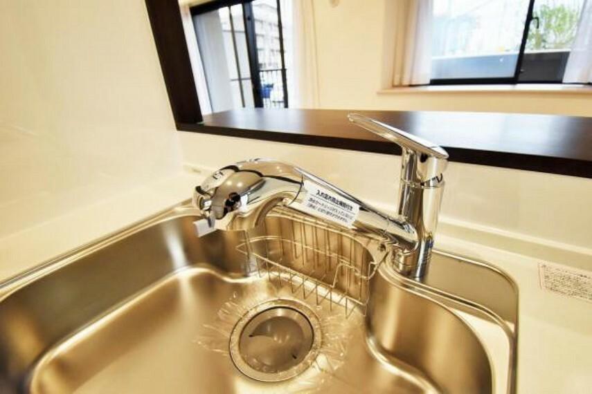 発電・温水設備 浄水器付システムキッチン