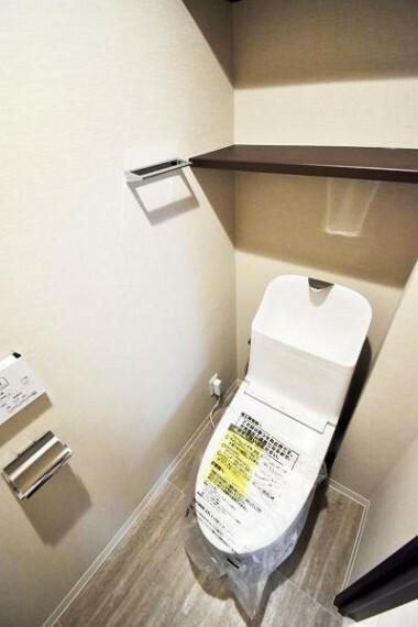 トイレ 物置スペース付きのトイレスペース
