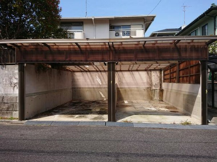 外観写真 正面からの外観写真です。外壁は塗装予定です。駐車は2台分です。