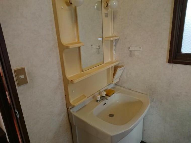 洗面化粧台 洗面化粧台も新品交換予定です。