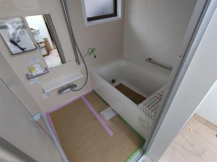 浴室 浴室はユニットバスに新品交換予定です。