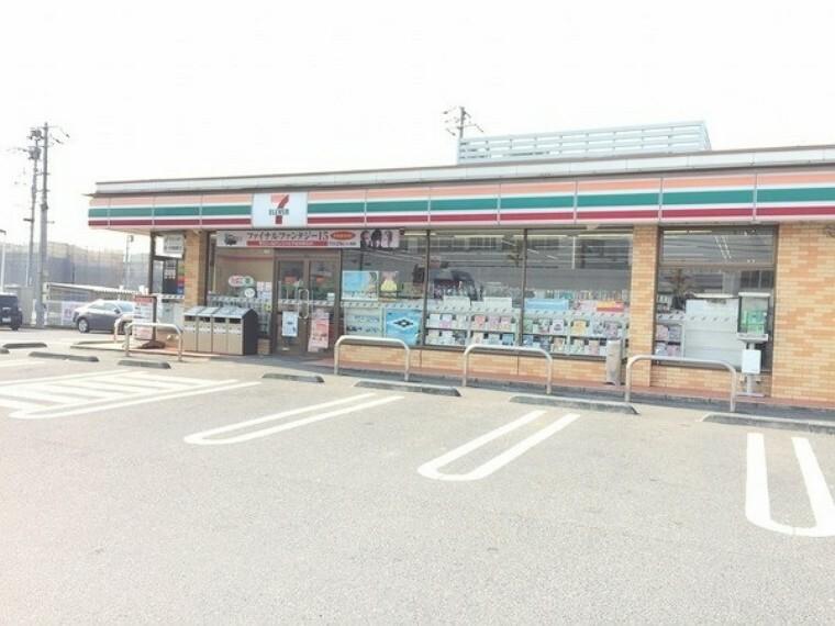 コンビニ セブンイレブン岡山藤崎店