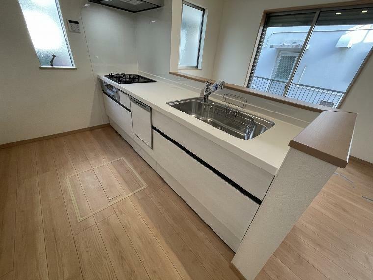 キッチン キッチンは人気のカウンターキッチン お子様の様子を確認しながら料理できるので安心です