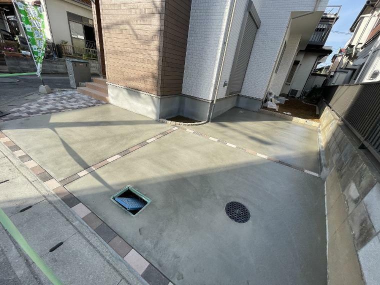 駐車場 駐車スペース2台分可能なので通勤や買物などご夫婦でお車を使われる方にピッタリです
