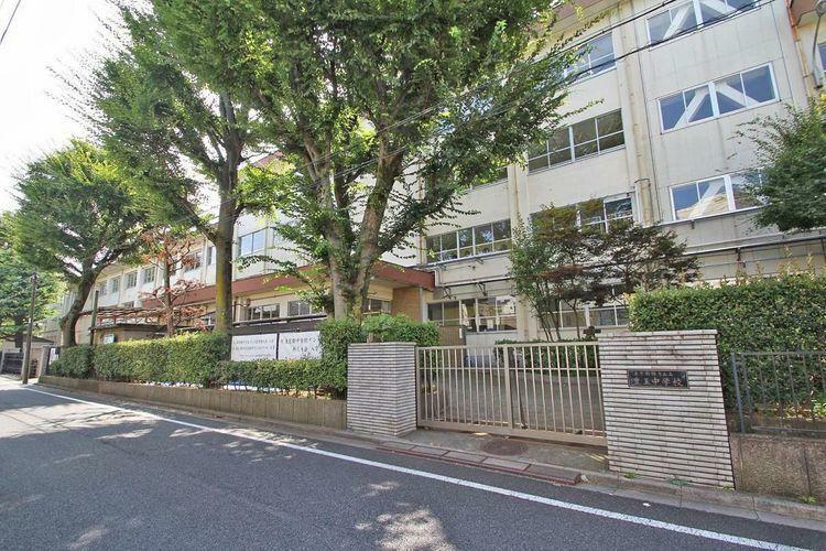 中学校 練馬区立豊玉中学校 徒歩10分。