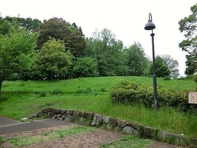 公園 丸池雑木林公園 徒歩18分。