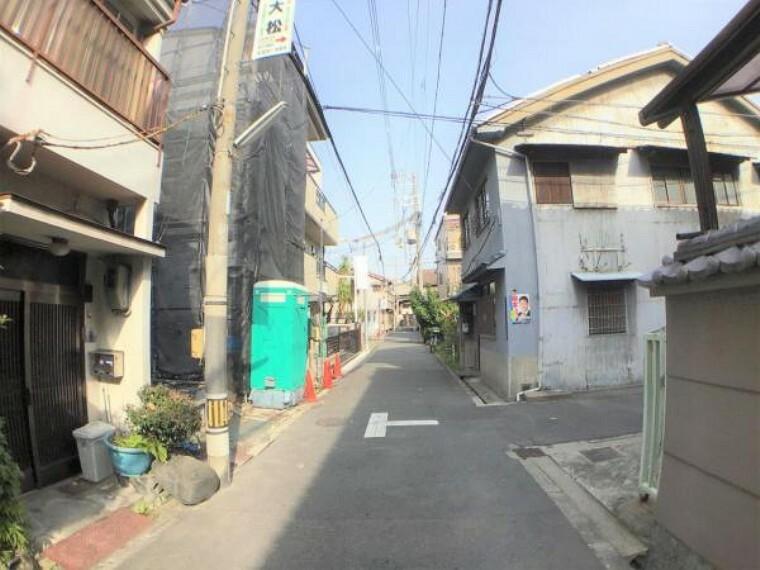 現況写真 周辺は、大阪の昔ながらの街並みが広がり落ち着いた雰囲気を醸し出しています。
