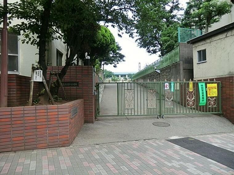 小学校 北区立滝野川小学校 徒歩7分。
