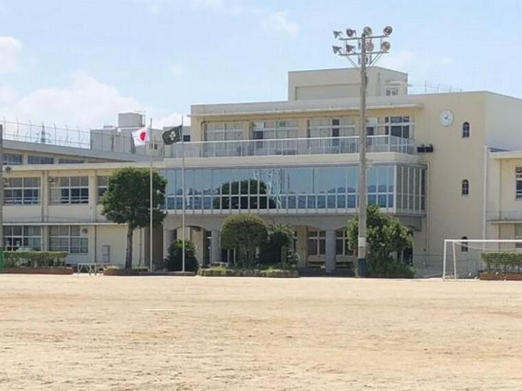 小学校 【小学校】新宮町立新宮小学校まで893m
