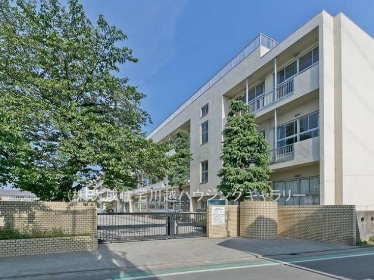 小学校 川越市立仙波小学校(徒歩8分。大変近く、お子様の登下校安心です。)